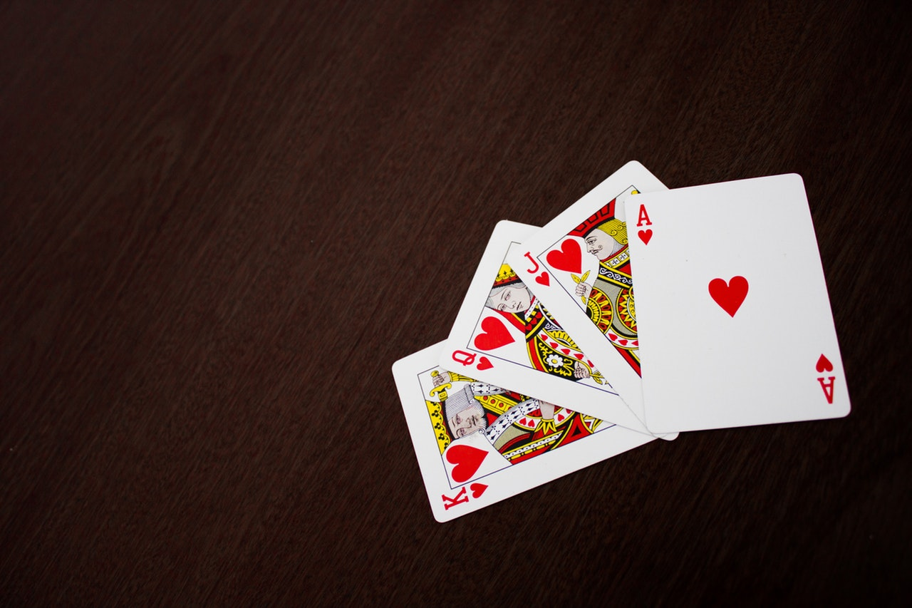 Ý nghĩa 52 lá bài trong bộ bài Tây